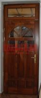 Napsugár mintás bejárati ajtó családi házban Budapesten