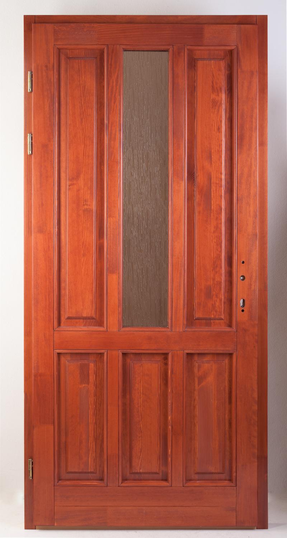 Egy üveges fa bejárati ajtó