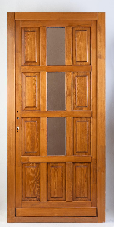Három üveges bejárati ajtó