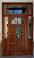 Bejárati ajtó portál