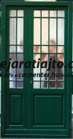 Álosztós gangos bérházi bejárati ajtó