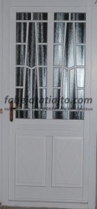 műemlék jellegű fa bejárati ajtó