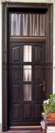 függőfolyosón levő bejárati ajtó cseréje